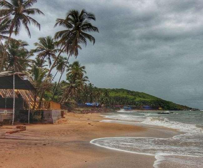 कोरोना वैक्सीन लेने के बाद ही घूम सकेंगे गोवा, पर्यटन मंत्री का फैसला