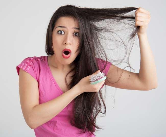 कोरोना से ठीक हो जाने के बाद महिलाओं में बाल झड़ने की समस्या देखने को मिल रही है।