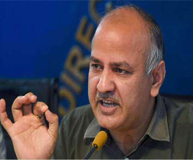 दिल्ली सरकार ने बृहस्पतिवार को नौवीं और 11वीं कक्षा की परीक्षाएं भी रद कर दी।
