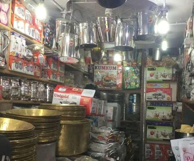 पानीपत में लोकल प्रेशर कुकर अब नहीं बिकेगा, नगर निगम ने थमाए दुकानदारों को नोटिस