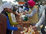 रामपुर में हिदुओं ने बरसाए जुलूस ए मुहम्मदी पर फूल