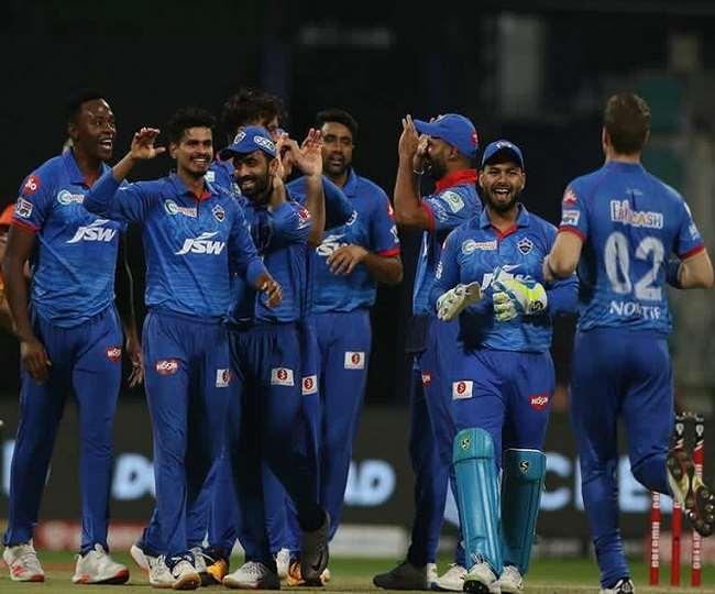 दिल्ली कैपिटल्स की टीम फोटो साभार (ट्विटर पेज DC)