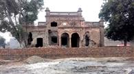 ऐतिहासिक रघुवर भवन की चाहरदीवारी का काम शुरू