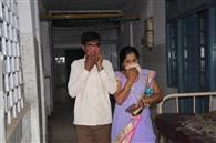 यह कैसा अस्पताल साहब, जहां नाक बंद कर आते मरीज और बीमारी घर ले जाते