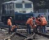 Indian Railway: खतरे में यूनियनों से जुड़े 50 हजार कर्मचारियों का भविष्य, सुविधाएं घटाने पर विचार