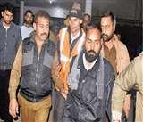 Jammu: जीएमसी में तीसरी मंजिल पर चढ़े युवक ने पुलिस को दो घंटे तक छकाया
