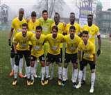 कश्मीर की ठंड में फुटबाल के रोमांच की गरमाहट; रियल कश्मीर के खिलाड़ी बोले- हम बर्फ में भी मुकाबले को तैयार