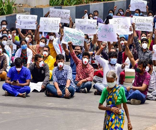 तेलंगाना: हैदराबाद गांधी अस्पताल में हड़ताल जारी रखेंगे जूनियर डॉक्टर