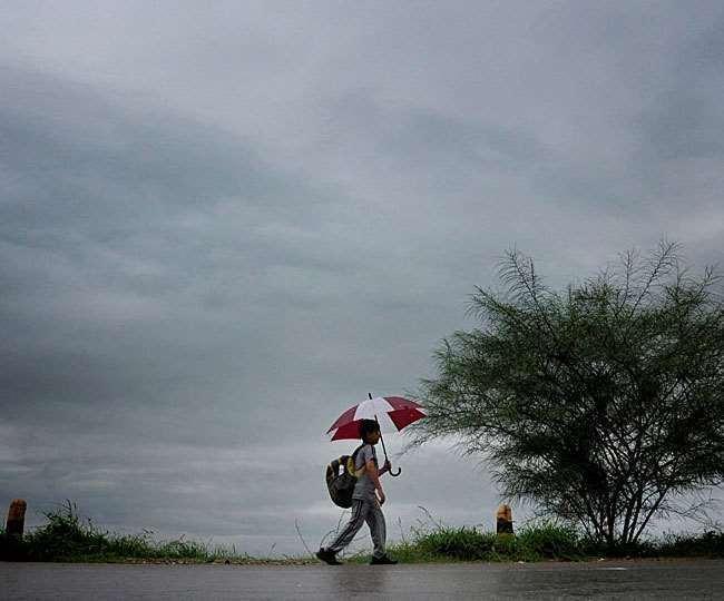 बंगाल में आज से तीन-चार दिनों तक भारी बारिश की आशंका
