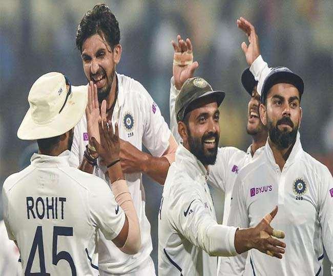 भारतीय तेज गेंदबाज इशांत शर्मा साथी खिलाड़ियों के साथ (एपी फोटो)