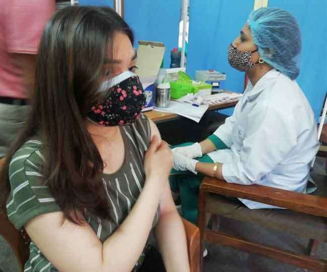 देश में कोरोना टीकाकरण जारी। ( फाइल फोटो )