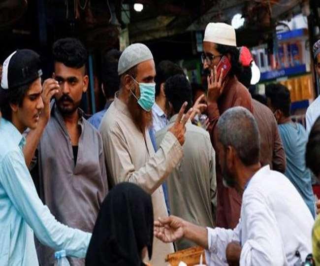 पाकिस्तान में बढ़ रहे कोरोना संक्रमण के मरीज
