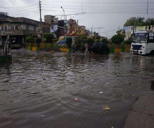 पंजाब के बठिंडा में बारिश से माैसम बदल गया। (जागरण)
