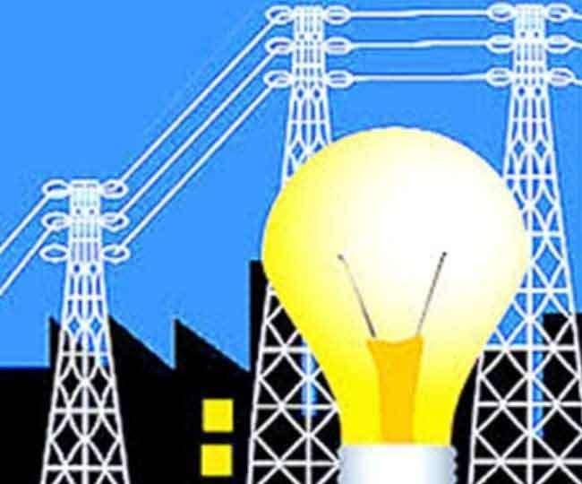 चंडीगढ़ में बिजली लाइनों की रिपेयर मेंटेनेंस का काम जोरों पर है। सांकेतिक चित्र।