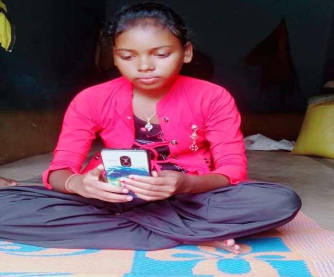 गणेश हांसदा फ़ेलोशिप 2021 की स्क्रीनिंग परीक्षा में चयनित 12 बच्चों ने ऑनलाइन साक्षात्कार में भाग लिया।