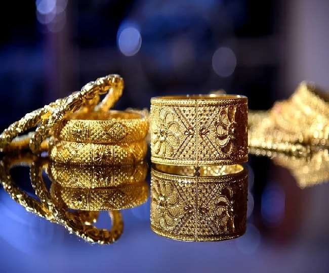 Gold declines Rs 59; silver tumbles Rs 196 (PC: pixabay)