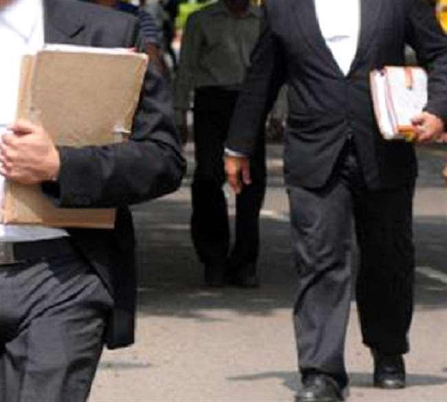 9 हजार से अधिक वकीलों पर बार काउंसिल ऑफ गुजरात ने लगायी रोक