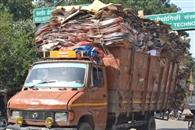 शहर में भारी वाहनों से लग रहा जाम, परेशानी