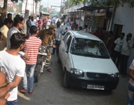 कहर बन शहर में दौड़ी कार, कई को किया घायल