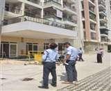 गुरु बाबा से मिलना है कहकर इंजीनियर ने लगा दी थी 7वीं मंजिल से छलांग, FIR दर्ज Ghaziabad News