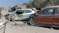 मोतीनगर में दो कारें भिड़ी, दंपती समेत तीन घायल