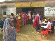 पैक्स चुनाव में दनादन पड़े वोट, पुरुषों से आगे रहीं महिलाए
