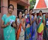 Final Report: दो चरणों की 33 सीटों में से 16 सीटों पर महिलाओं ने किया अधिक मतदान Jharkhand Election 2019