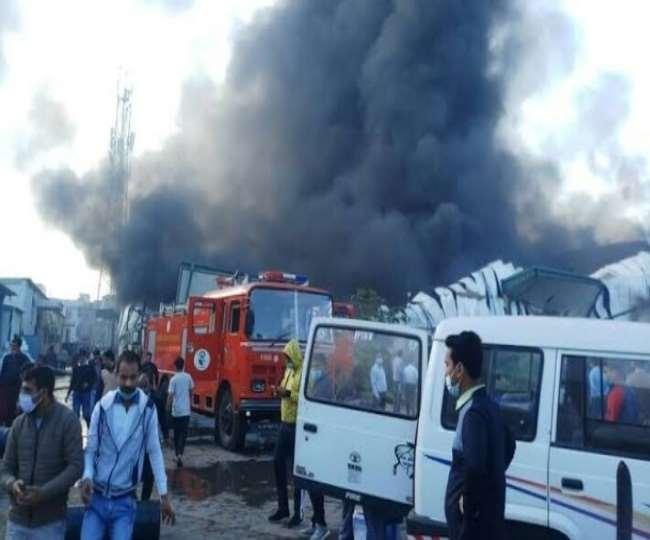 Khaskhabar/अंबाला से बड़ी खबर है। एयरटेल के मुख्य सर्वर कार्यालय में आग लग गई है। अंबाला स्थित एयरटेल कंपनी के इस कार्यालय से नेटवर्क को ऑपरेट किया जाता है। बताया जा रहा है कि आग की वजह से हरियाणा में एयरटेल का नेटवर्क ठप हो