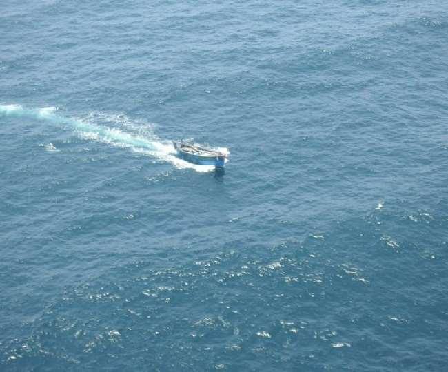 ईरान में फंसे पांच भारतीय नाविकों ने प्रधानमंत्री नरेंद्र मोदी से भारत वापस लाने में मदद मांगी
