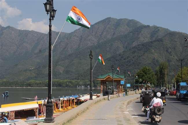 आप पूरे कश्मीर को पाकिस्तान समर्थक या आजादी समर्थक नहीं कह सकते।