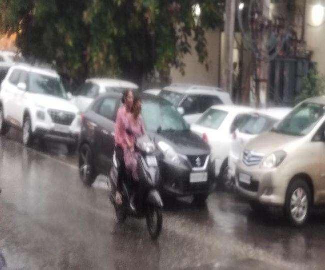 लुधियाना में तेज बारिश से बदला माैसम। (जागरण)