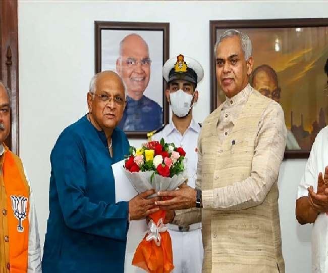 मुख्यमंत्री के रूप में नरेंद्र सिंह तोमर ने भूपेंद्र पटेल के नाम का किया एलान
