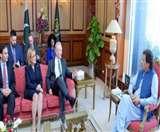 US Senator की Pakistan को फटकार, आतंकवादियों को समर्थन और ट्रेनिंग देना बंद करे पाक