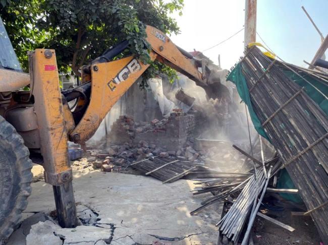 न्यू गुरुग्राम की मुख्य सड़क पर चला अतिक्रमण के खिलाफ अभियान - Haryana  Gurgaon Local News