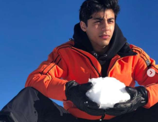 Aryan Khan with snow in old photo. Photo- Instagram