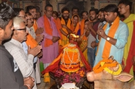 बैकुंठ चतुर्दशी पर किया भगवान शिव और विष्णु का पूजन, की महाआरती