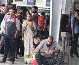 दिल्ली के लिए बस न मिलने पर यात्रियों ने जमकर काटा हंगामा, पढ़िए पूरी खबर
