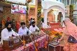 धूमधाम से मनाया गया गुरुनानक देव महाराज का 550वां प्रकाश उत्सव, सजी गुरुग्रंथ साहिब की झांकी