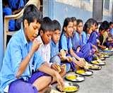 शिक्षा विभाग की चेतावनी- मिड डे मील स्कूल के बच्चों का, कोई भी घर नहीं ले जा सकता