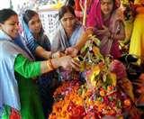 Kartik Purnima 2019 Tulsi Puja: कार्तिक पूर्णिमा को करें तुलसी पूजन, मां लक्ष्मी पूरी करेंगी मनोकामनाएं