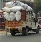 रिहायशी इलाकों से पुलिस गायब, सरपट दौड़े कॉमर्शियल वाहन
