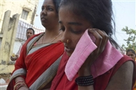 स्कूल बस ने ई-रिक्शा में मारी ठोकर, दो घायल