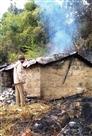 पाटी ब्लॉक के गरसाड़ी गांव में झोपड़ी में लगी आग, बाल-बाल बचा बुजुर्ग