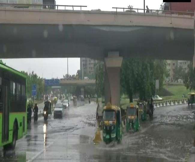 मौसम विभाग के देश के कई राज्यों में भारी बारिश की अलर्ट जारी किया (फोटो एएनआई)