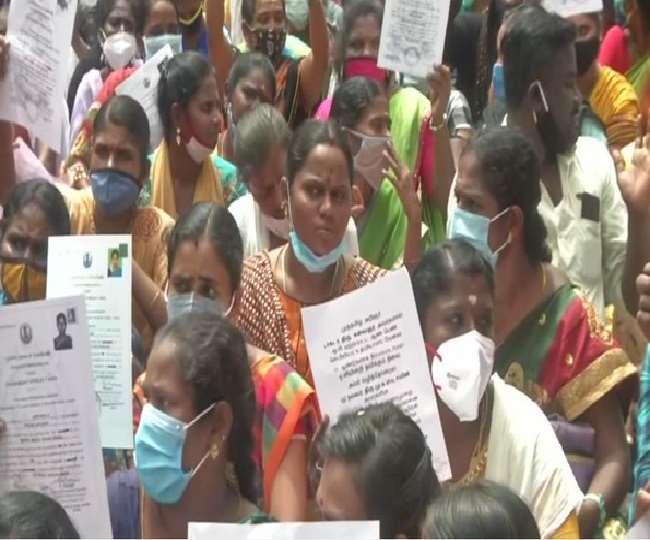 चेन्नई में सरकारी नौकरी के लिए नर्सों का विरोध-प्रदर्शन, पुलिस हिरासत में लिए गए कुछ लोग