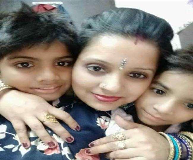 Delhi Buildings Collapse: भरभराकर गिरी चार मंजिला इमारत, मां के साथ दो बच्चों की दबकर मौत।