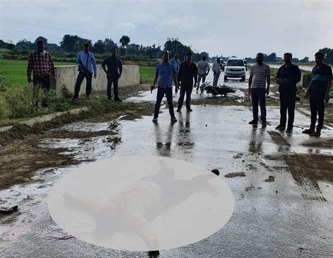 बदमाश दीपक वर्मा संग चौबेपुर के बरियासनपुर चिरईगांव ब्लाक के पीछे पुल के पास मुठभेड़ हो गई।