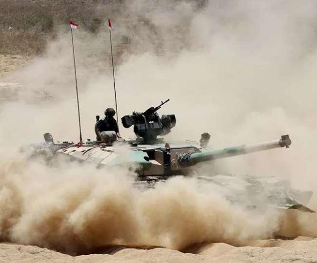 सीमाओं पर जारी तनाव के बीच भारतीय सेना रूस जाकर चीन और पाकिस्तान की फौजों से दो-दो हाथ करेगी।