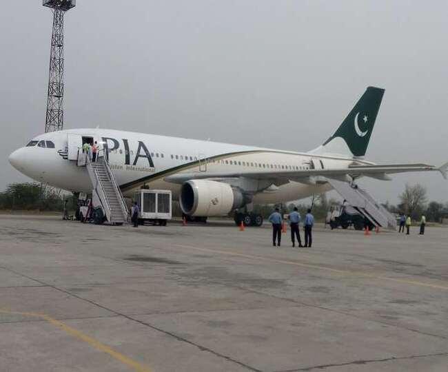 तालिबान कब्जे के बाद काबुल एयपोर्ट पर पहली बार उतरे पाकिस्तान एयरलाइंस के विमान।