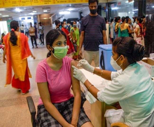 देश में कोरोना के खिलाफ जारी टीकाकरण का आंकड़ा 75 करोड़ को पार कर गया है।